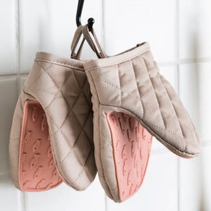 One Piece SiliconeOven Gloves
